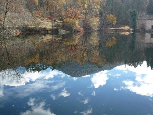 El Mar (estanque en los Jardines de Palacio de La Granja, Segovia) en otoño