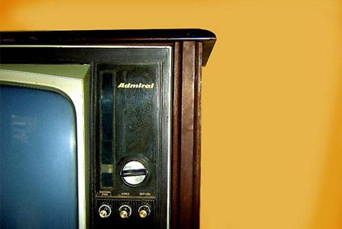 Una televisión antigua